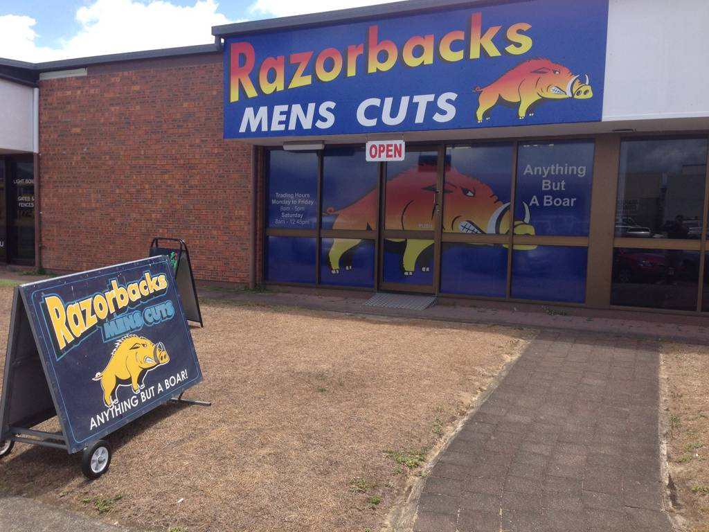 Razorbacks Mens Cuts