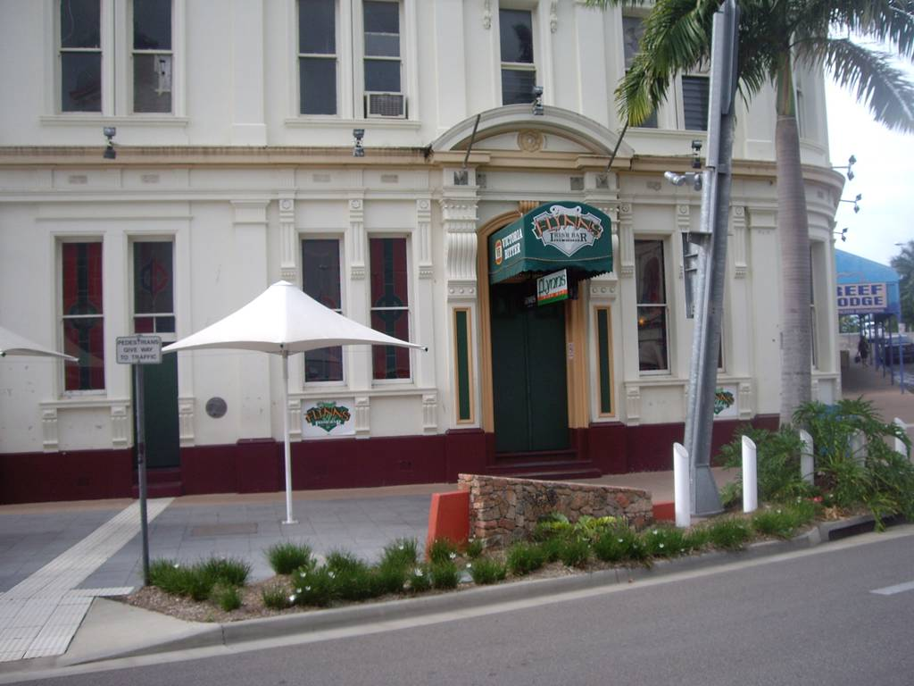 Flynns Irish Bar & Bistro