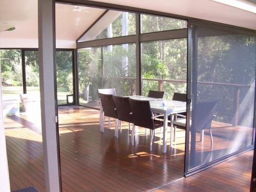 AA Coast  Hinterland Glass  Aluminium